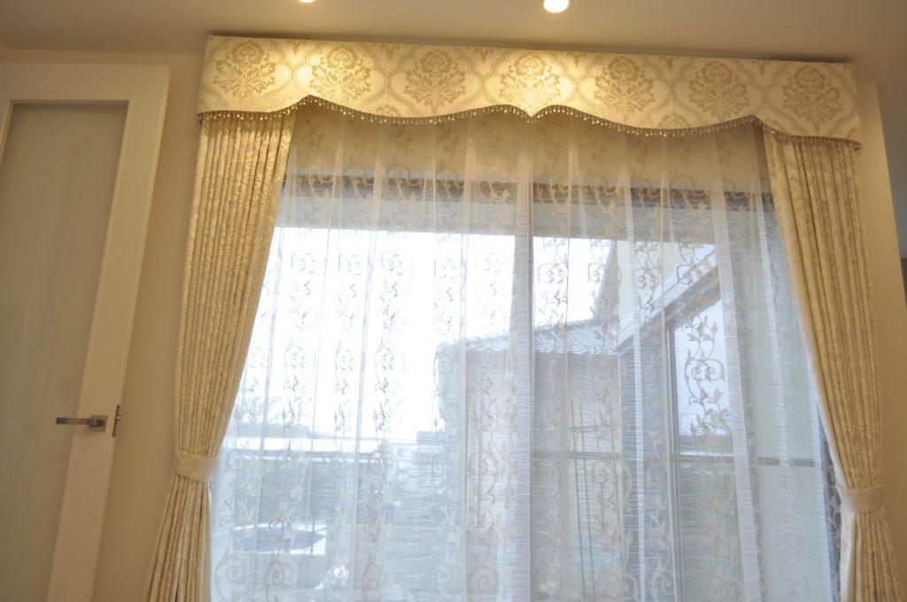 白 シルバー刺繍 ボンディングバランス エレガント 京都市 エス・バイ・エル