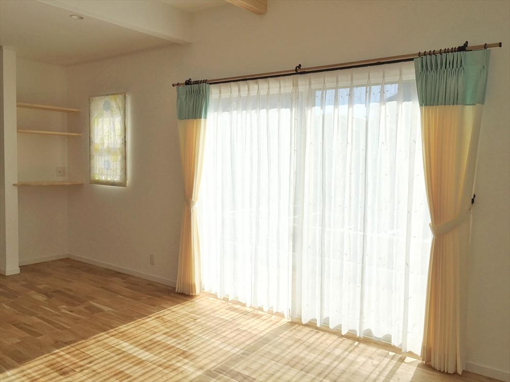 トップボーダースタイル ナチュラルでかわいいカーテン やさしいカラー