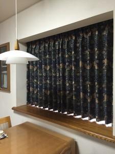ウィリアム・モリスのカーテン いちご泥棒 カーテンの掛け替え