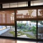 縁側に日本の伝統を生かした和の経木すだれ