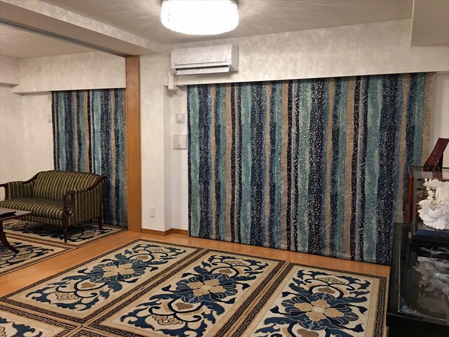 グラデーションブルーのベルベット ホワイト刺繍のレース 京都 マンションのカーテン