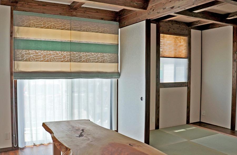 輸入カーテンと和室の組み合わせ